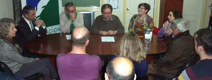 El decano del CPPA, Antonio Manfredi, se dirige a miembros de la APCG.