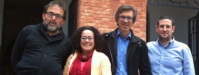 El decano del Colegio de Periodistas de Andalucía, Antonio Manfredi, con representantes de la Asociación de la Prensa de Granada.