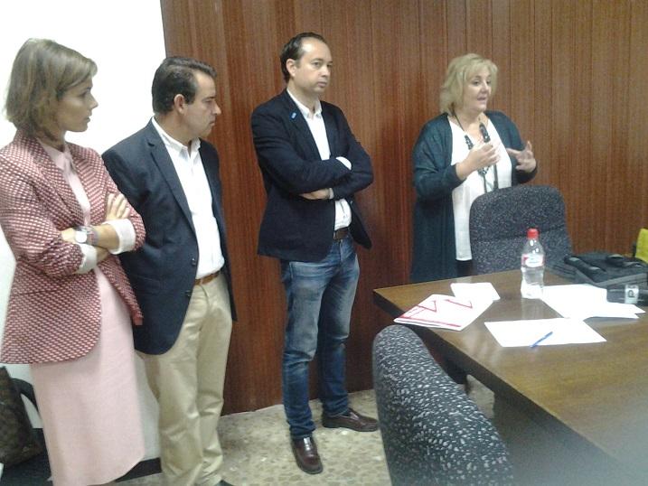 Seminario sobre protección de los menores en medios y redes sociales celebrado en Almería.