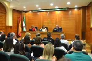 Momento de la presentación de la Guía. De izquierda a derecha en la fotografía, María Luisa Pérez, Ana Cobo y José Manuel Fernández